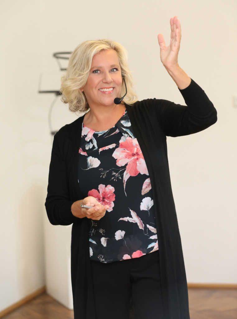 Brigitte Zadrobilek Seminar mit Headset