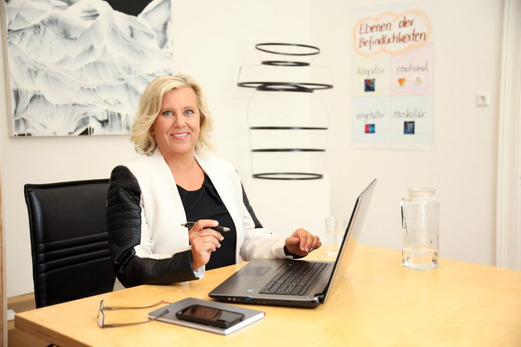 Stressmanagement und Resilienz-Trainings mit Stresscoach Brigitte Zadrobilek